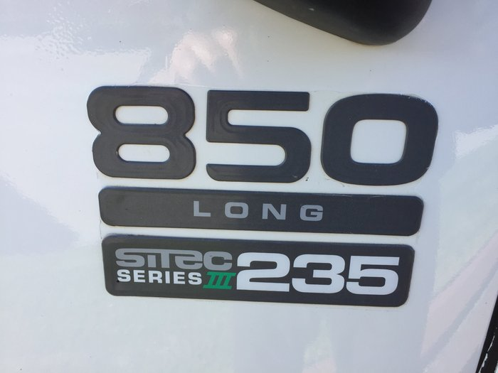 2011 Isuzu FTR850 2011 ISUZU FRR 850 LONG WHITE