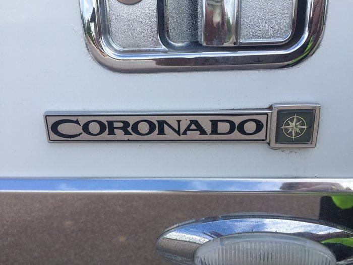 2012 Freightliner Coronado 2012 FREIGTHLINER CORONADO WHITE