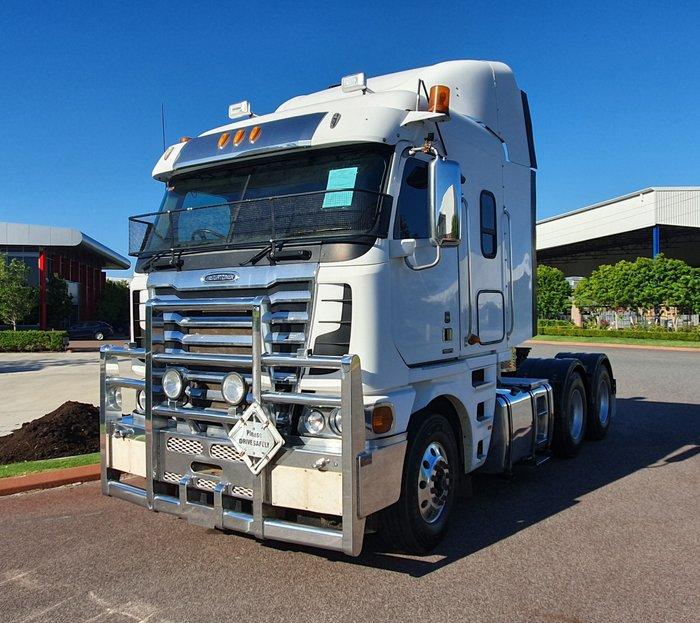 2012 Freightliner Argosy 2012 ARGOSY FREIGHTLINER WHITE