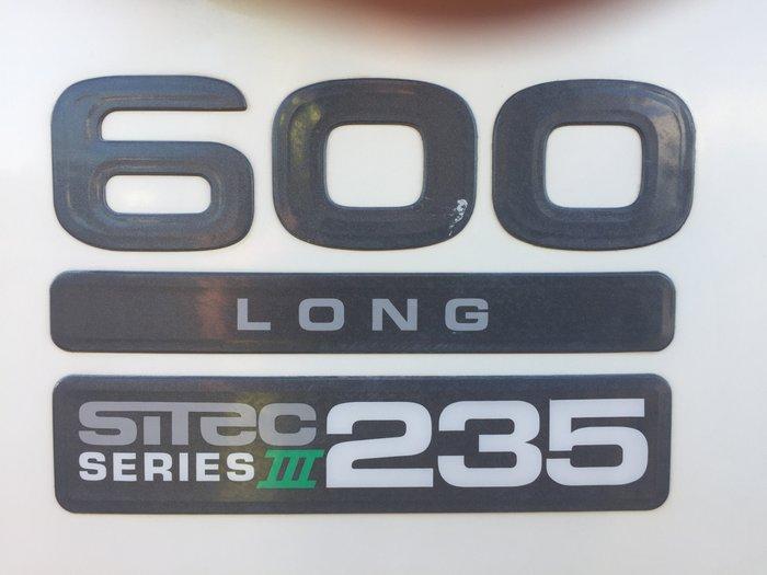 2012 Isuzu FRR600 WHITE