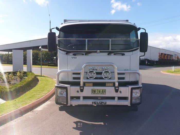 2012 Isuzu FVD1000 WHITE