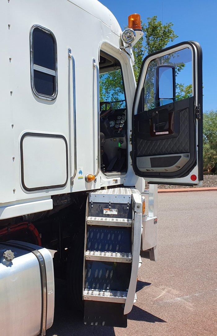 2014 Freightliner Argosy PRIMEMOVER WHITE