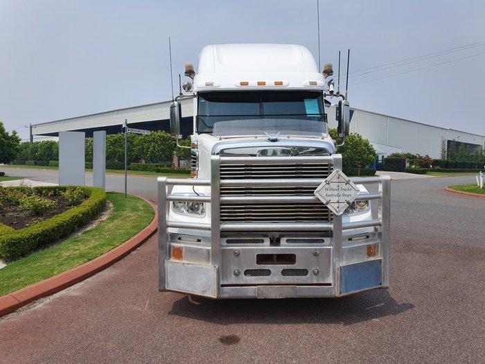 2013 Freightliner Coronado 122 WHITE