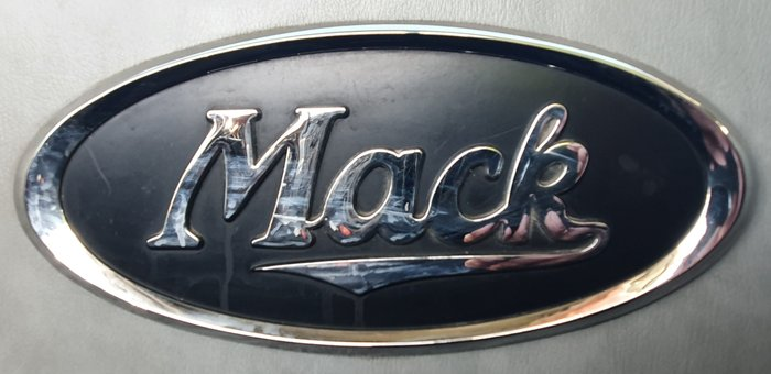 2009 Mack GRANITE MT MACK WHITE