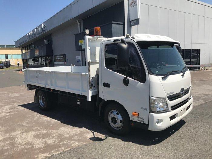 2012 Hino 816 - 300 Series 816 TIPPER WHITE