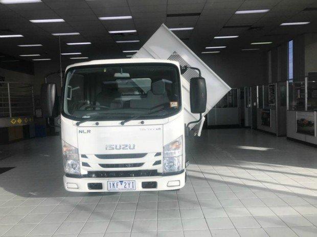 2019 Isuzu NLR 55-150 Tri-Tipper
