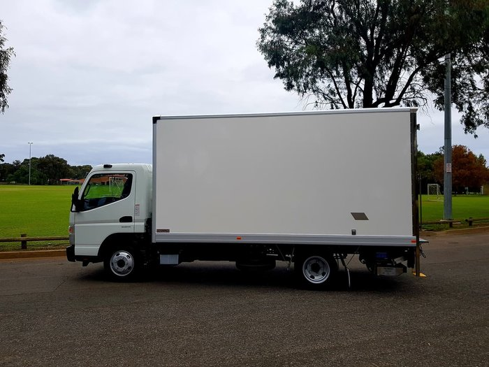 2018 FUSO CANTER 515 WIDE AMT - PAN + LOADER & CAR LICENCE- ONE ONLY!! null null White