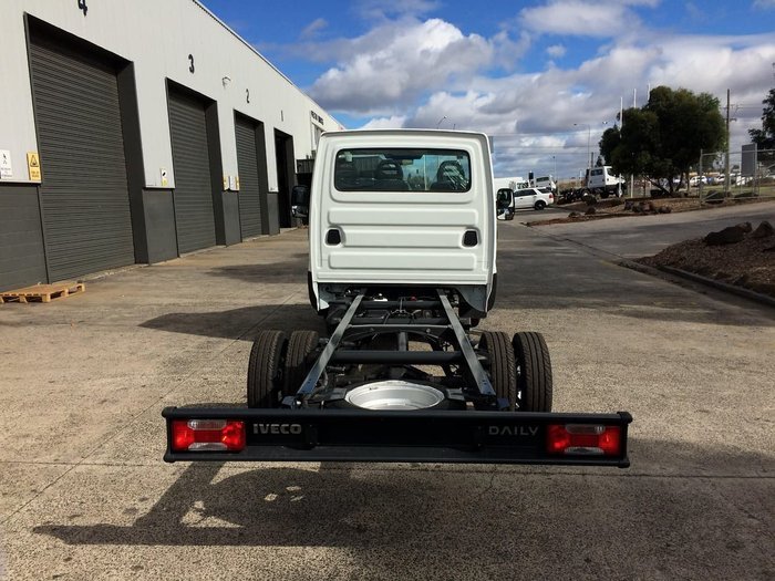 2017 IVECO DAILY 45C17 45C17 MANUAL null null WHITE