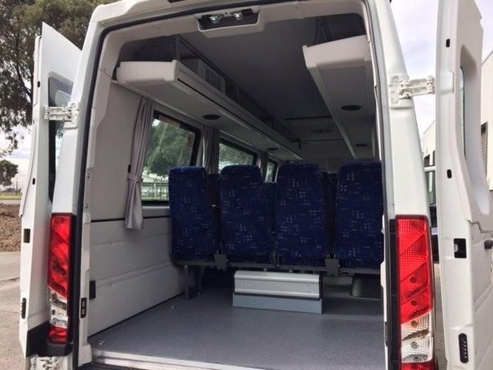 2018 IVECO DAILY SHUTTLE 16 WHITE