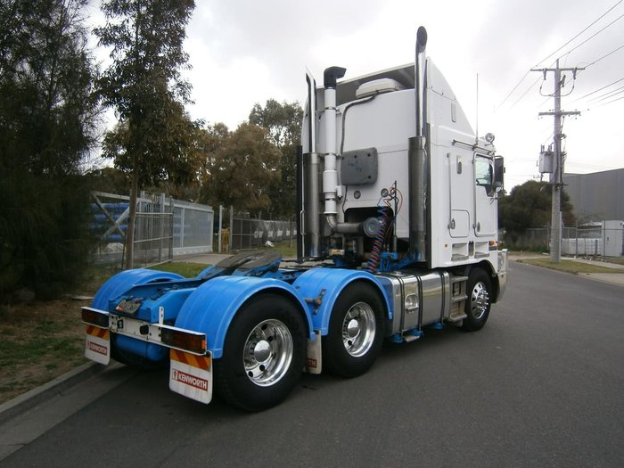 2008 KENWORTH K108 ( NEW CRATE ENGINE ) null null WHITE
