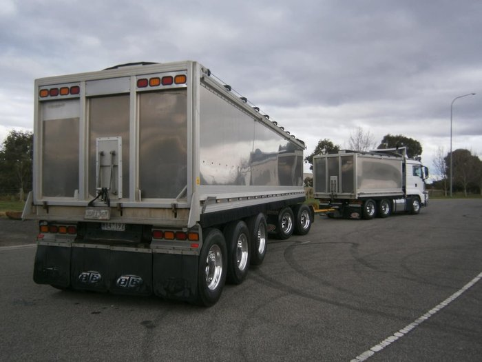 2016 MAN 26.540 TGS TIPPER & DOG COMBO null null WHITE