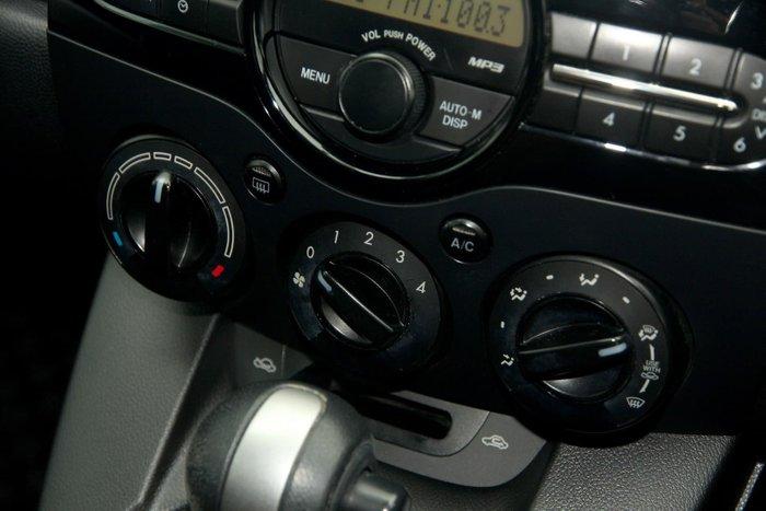 2011 Mazda 2 Neo DE Series 2 MY12 Green