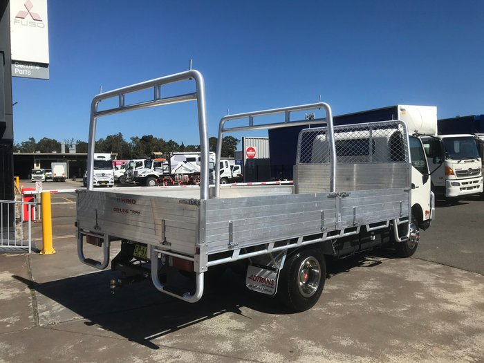 2018 Hino 921- 300 Series TRADEACE 4.5 TONNE TABLETOP WHITE