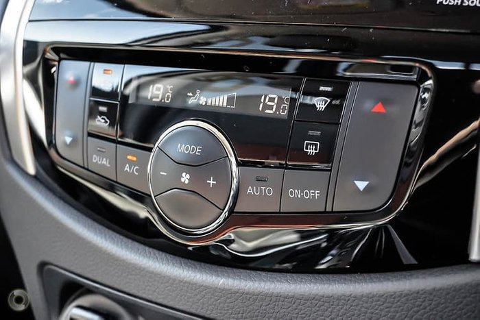 2019 Nissan Navara N-TREK D23 Series 4 4X4 Dual Range White