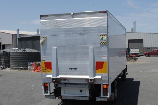 2015 Fuso Fighter 1627 ALLISON AUTO LOW KM'S WHITE