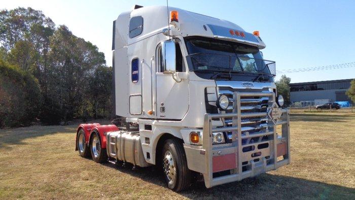 0 Freightliner Argosy White