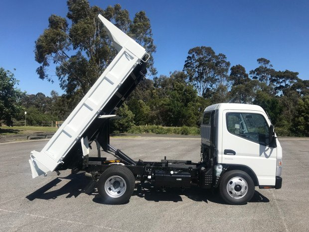 2019 FUSO CANTER 615 null null White