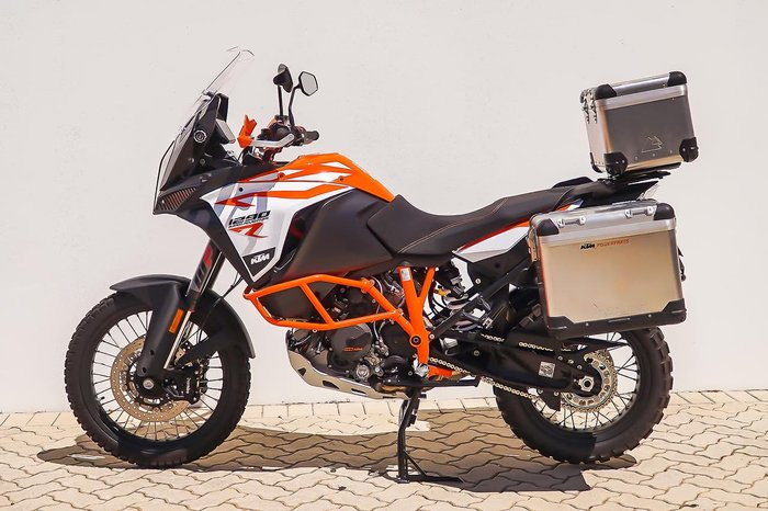 2018 KTM 1290 SUPER ADVENTURE R null null Orange