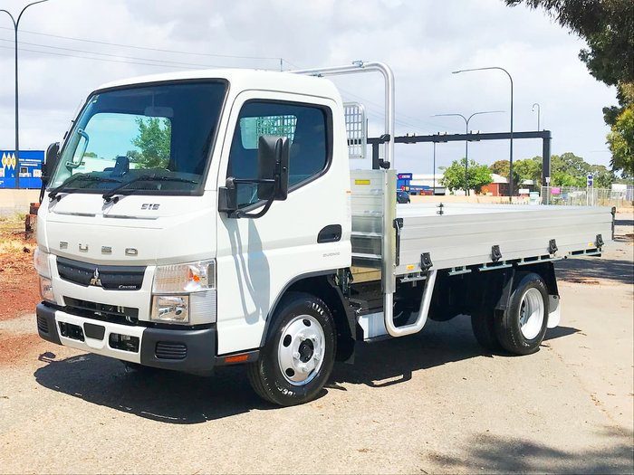 2019 FUSO CANTER 515 AMT *2 YEARS FREE SERVICING ON 19 PLATED TRUCKS* null null null