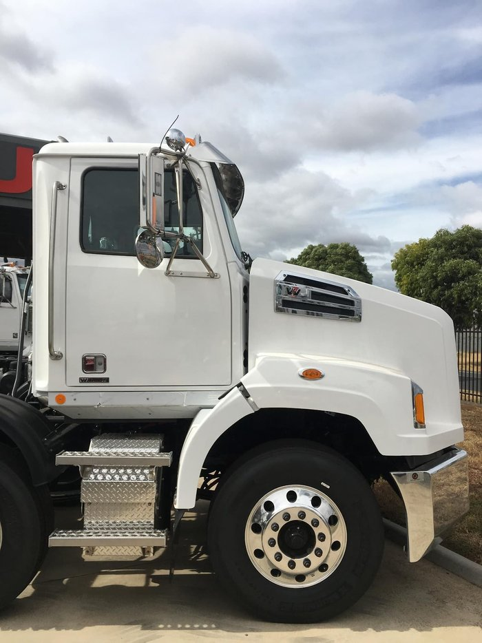 2019 WESTERN STAR 4700 null null null