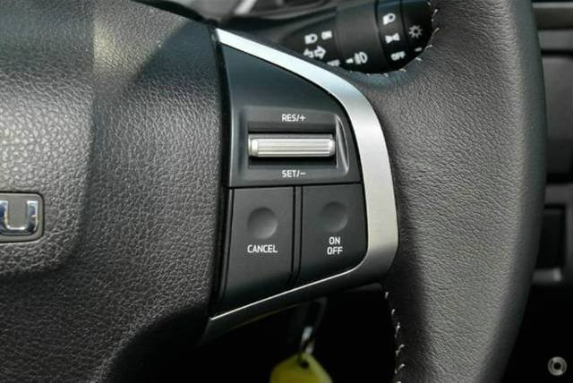 2019 Isuzu D-MAX LS-M MY19 4X4 Dual Range TITANIUM SILVER