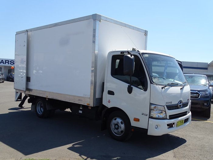 2016 HINO 300 SERIES 616 Trade Ace White