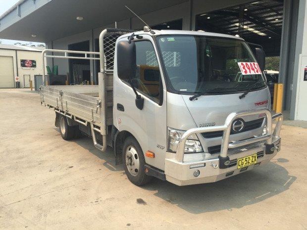 2015 Hino 617 - 300 Series Trade Ace Silver