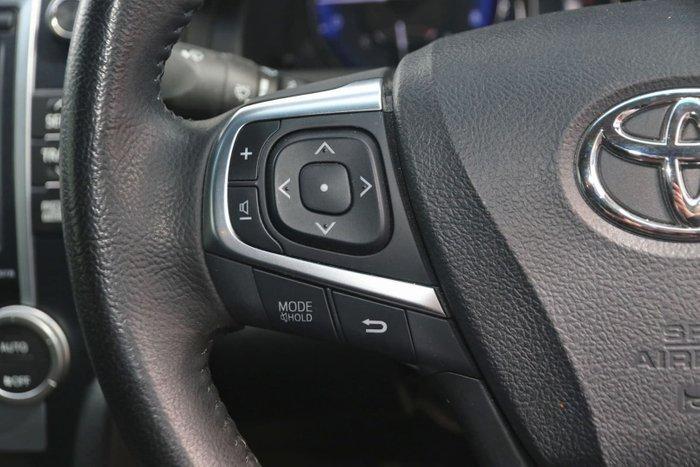 2017 Toyota Camry RZ ASV50R White