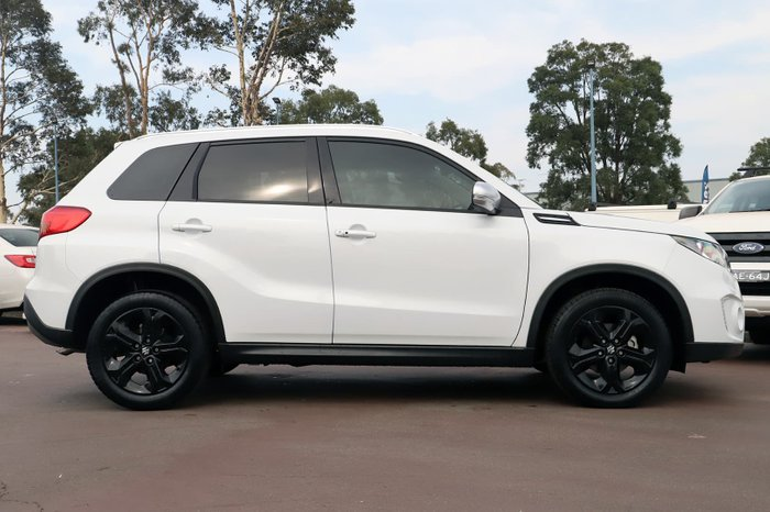 2017 Suzuki Vitara S Turbo LY White