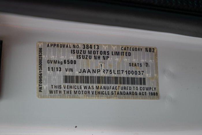2013 Isuzu NPR300 NPR300 CREW CAB null null White