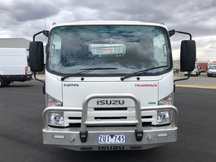 2013 Isuzu NPR200 Medium Tray