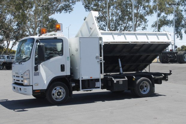 2008 Isuzu NPR400 Ex-Council 3-Way Tipper WHITE