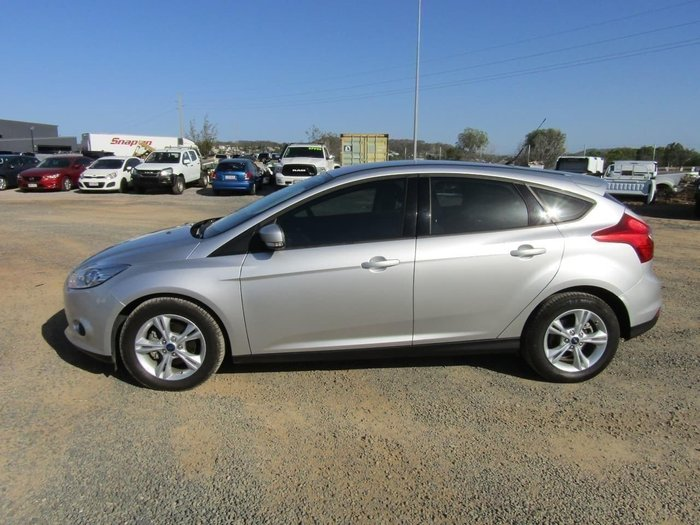 2014 Ford Focus Trend LW MKII Ingot Silver2