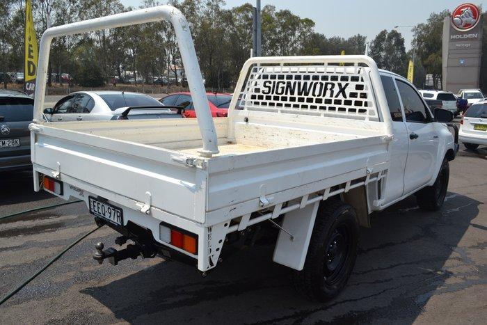 2016 Toyota Hilux Workmate GUN125R 4X4 Dual Range White