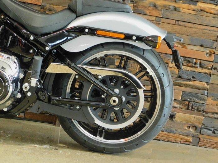 2020 Harley-Davidson 2020 Harley-davidson 1900CC FXBRS BREAKOUT S (114) (SOLID) CRUISER Barracuda Silver