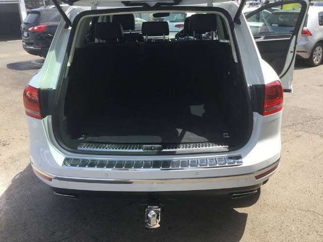 2016 Volkswagen Touareg V6 TDI 7P MY17 Four Wheel Drive PURE WHITE