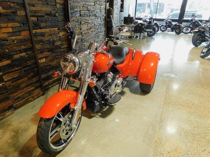 2020 Harley-Davidson 2020 Harley-davidson 1900CC FLRT FREEWHEELER (SOLID) TRIKE Performance Orange