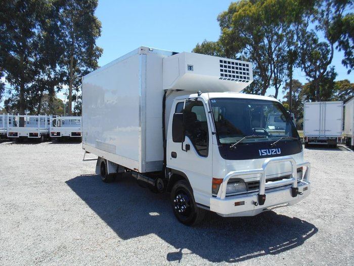 2004 ISUZU NPR400 REFRIGERATED null null WHITE