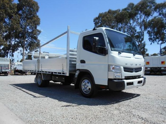 2013 FUSO CANTER 615 ##CONCRETE SPEC TRAY## null null WHITE
