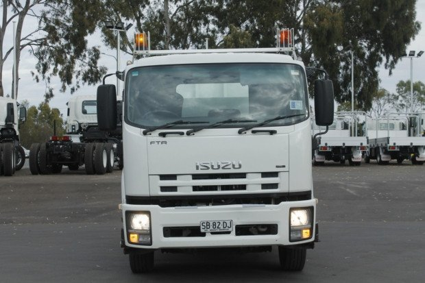 2009 Isuzu FTR900 EX COUNCIL amp LOW KMS WHITE