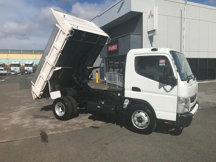 2014 MITSUBISHI CANTER 715 WIDE null null WHITE