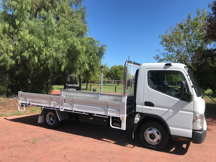 2014 MITSUBISHI CANTER 515 WIDE CAB null null White