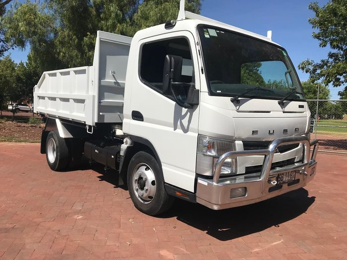2012 MITSUBISHI CANTER 715 null null White