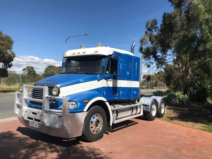 2007 FREIGHTLINER COLUMBIA CL112 null null null