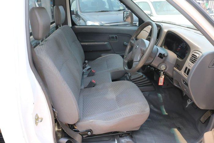 2010 Nissan Navara DX D22 MY09 4X4 White