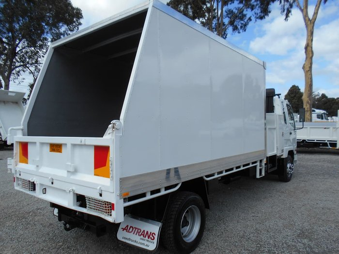 2010 FUSO FK 6.0 FIGHTER ##CHIPPER/TIPPER## null null WHITE