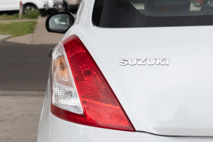 2013 Suzuki Swift GL FZ White