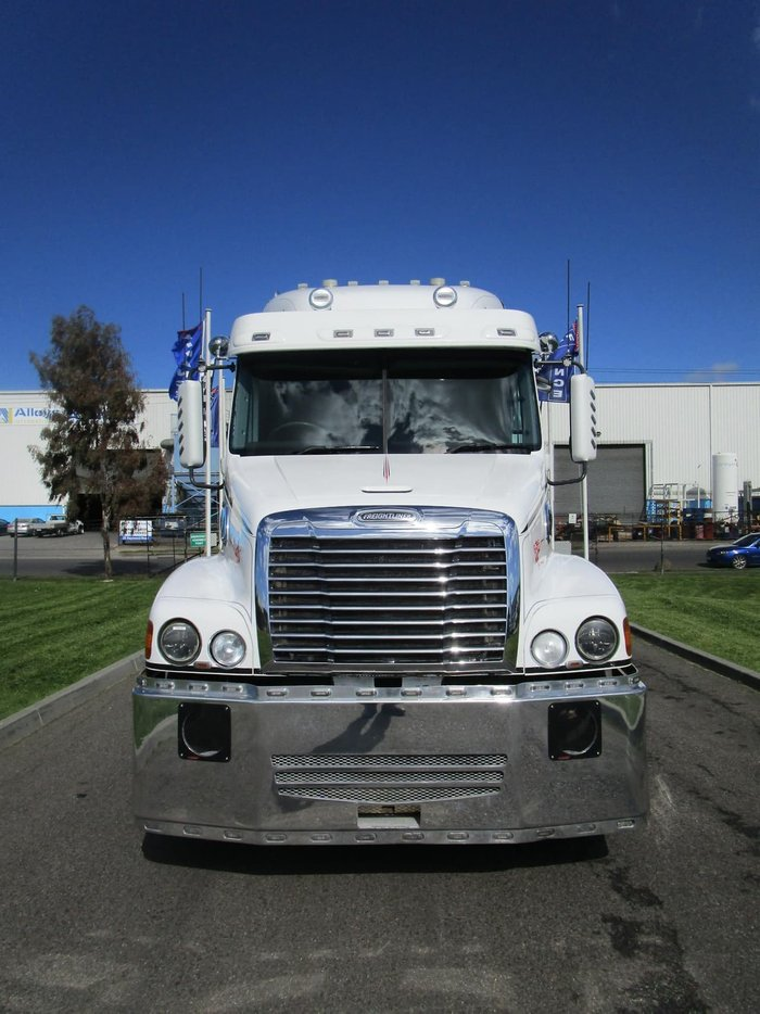 2012 FREIGHTLINER CENTURY C(S/T)112 PTO HYD null null white