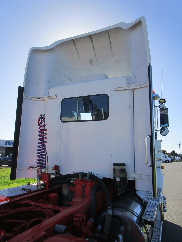 2010 KENWORTH T402 NIL K'S ON ENGINE REBUILD null null WHITE