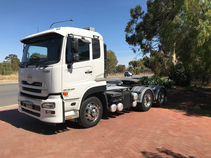 2016 UD GW 26 420 QUON null null White